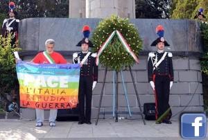 4 novembre: sindaco Messina espone bandiera pace a cerimonia